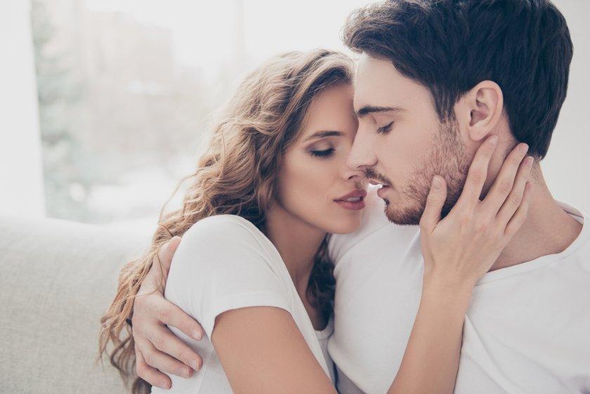 Как запах, которого мы не слышим, влияет на выбор сексуального партнёра