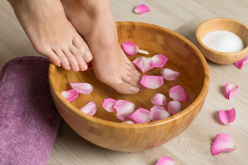 4 способа, чтобы летом ноги не пахли потом