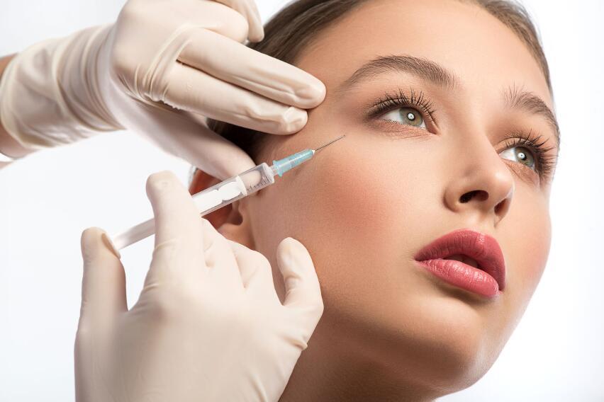 Как сохранить молодость кожи без специальных уколов?