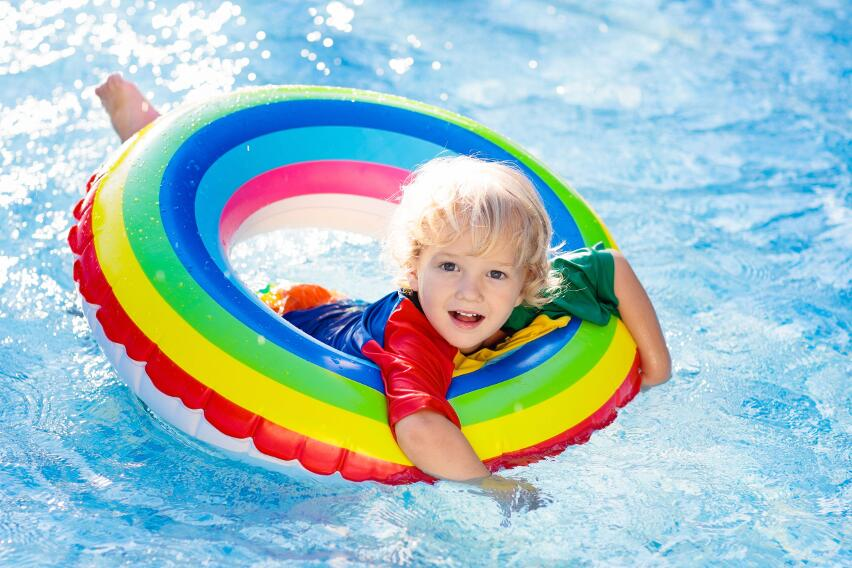 4 заболевания, которые подстерегают человека в бассейне