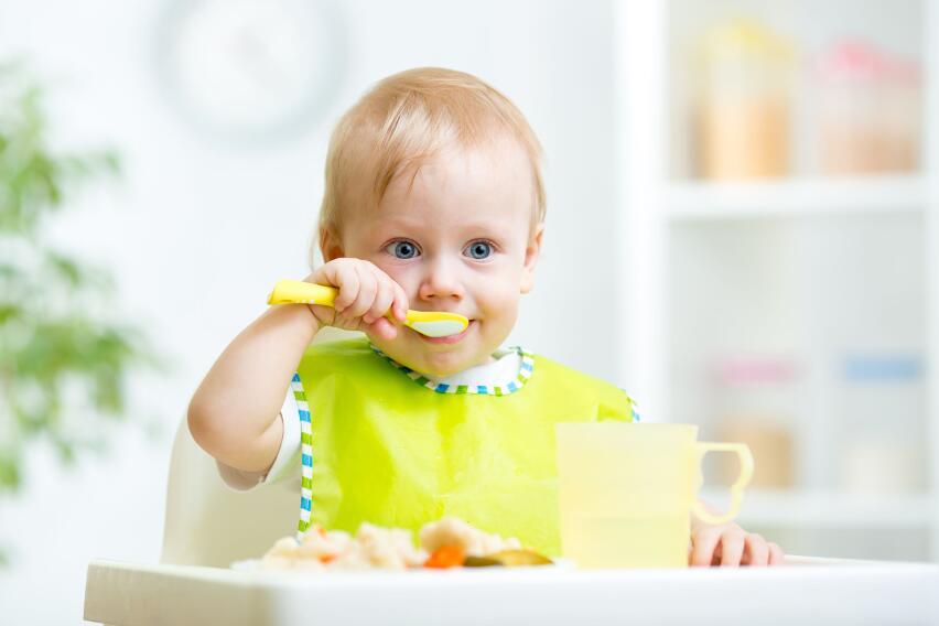Почему опасно заставлять ребенка доедать все до последней крошки?
