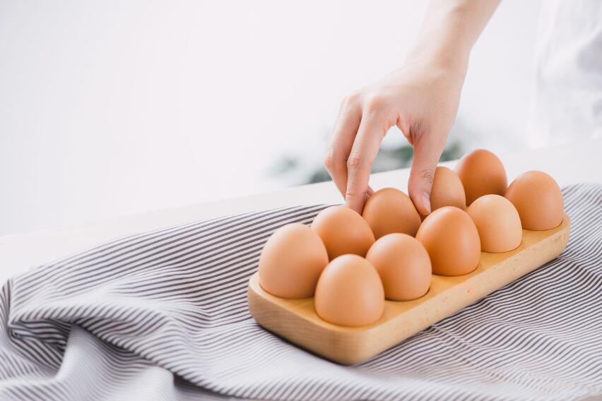 Почему опасно употреблять яйца, которые варились дольше 10 минут?