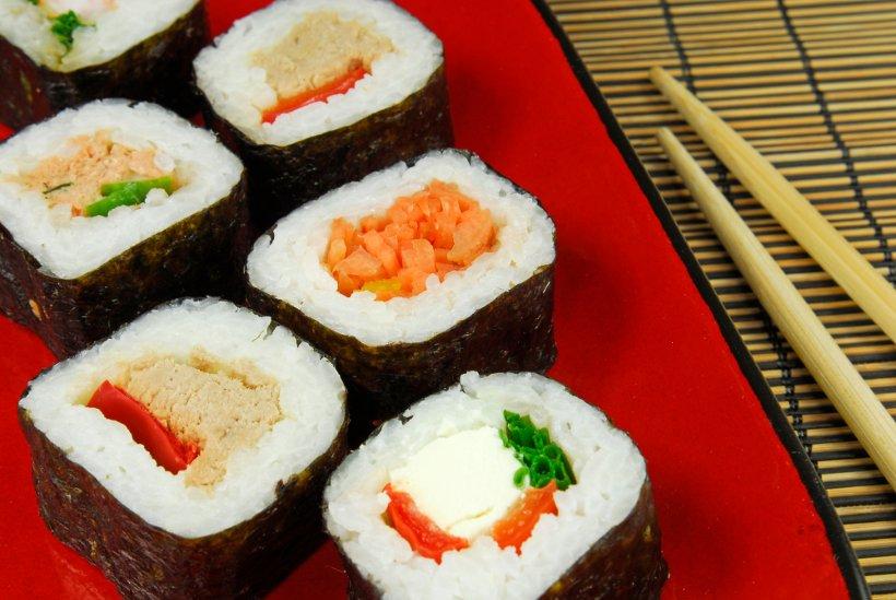 Почему часто употреблять суши опасно для здоровья?