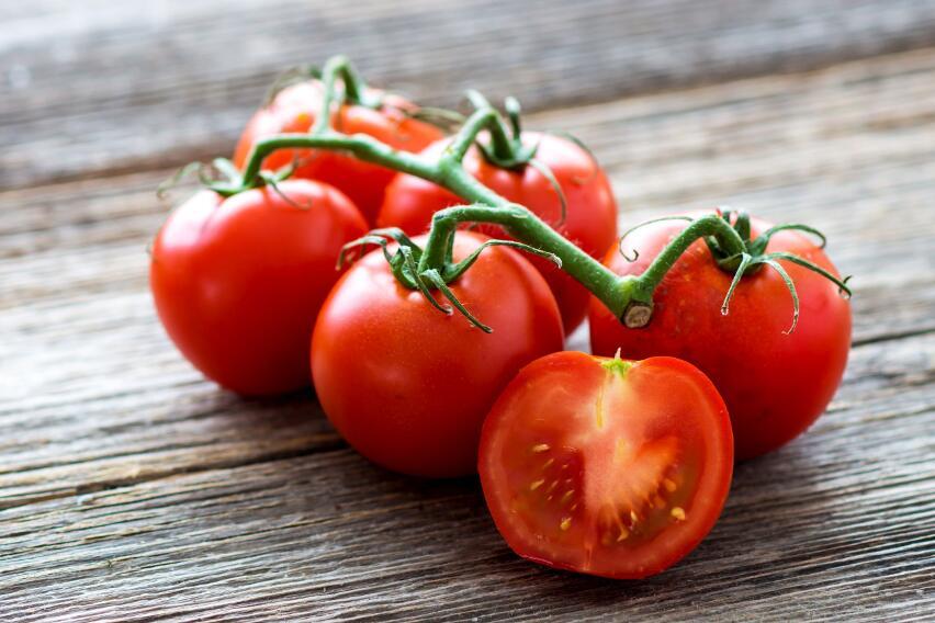 Какие продукты быстро испортятся, если поместить их в холодильник?