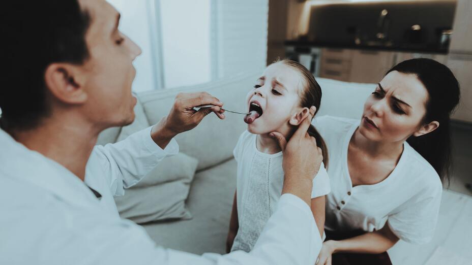 Проблемы со здоровьем, которые провоцируют неприятный запах изо рта