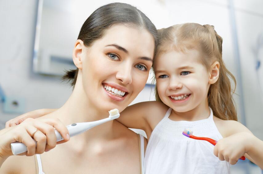 Почему зубы следует чистить не до, а после завтрака?