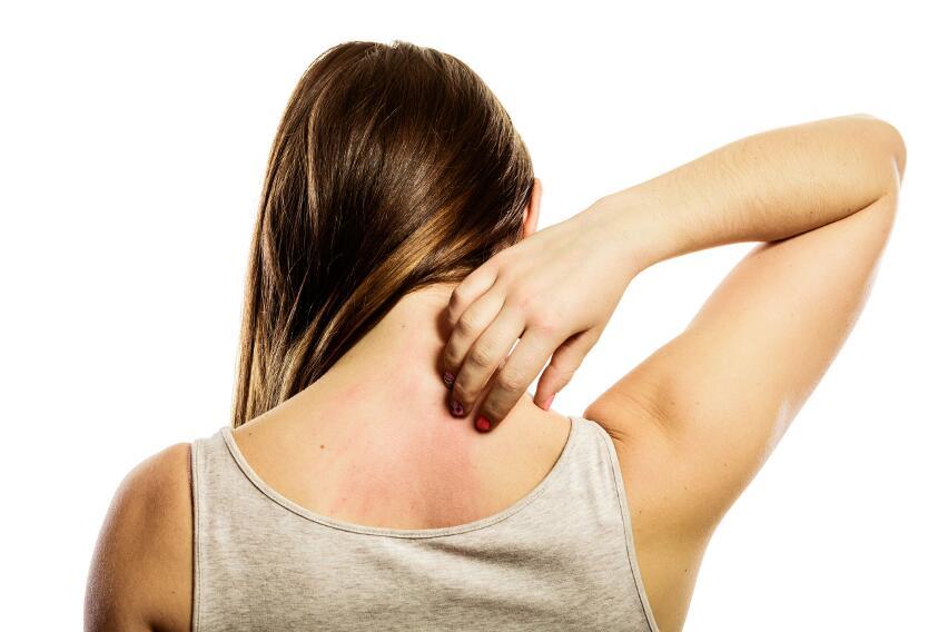 Хроническую боль в шее можно вылечить при помощи иглоукалывания