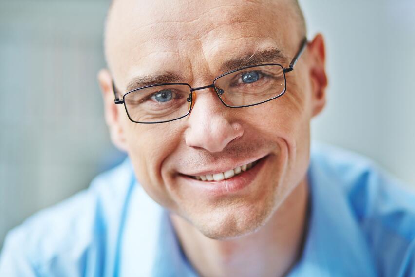 Придуманы очки, которые помогут избавиться от бессонницы