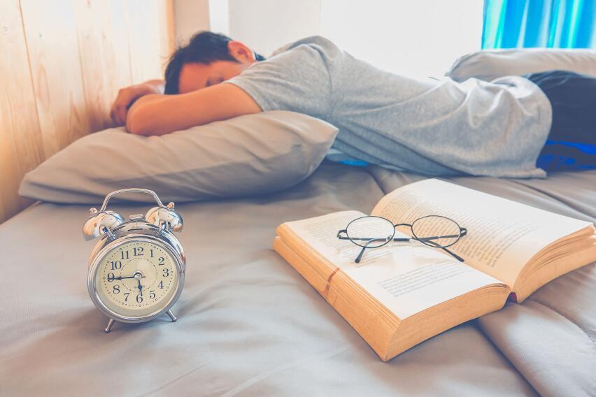 В какой позе нельзя никогда спать?
