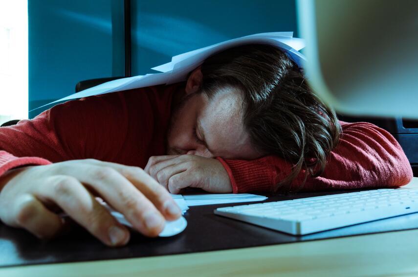 Что мешает нам вовремя ложиться спать, даже когда мы хотим этого?