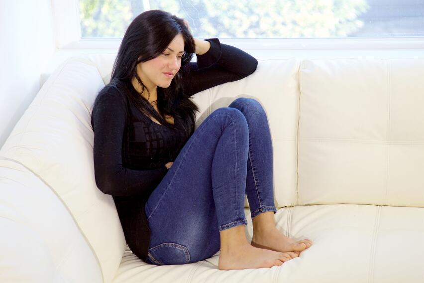 6 эфирных масел, которые избавят от боли при менструации